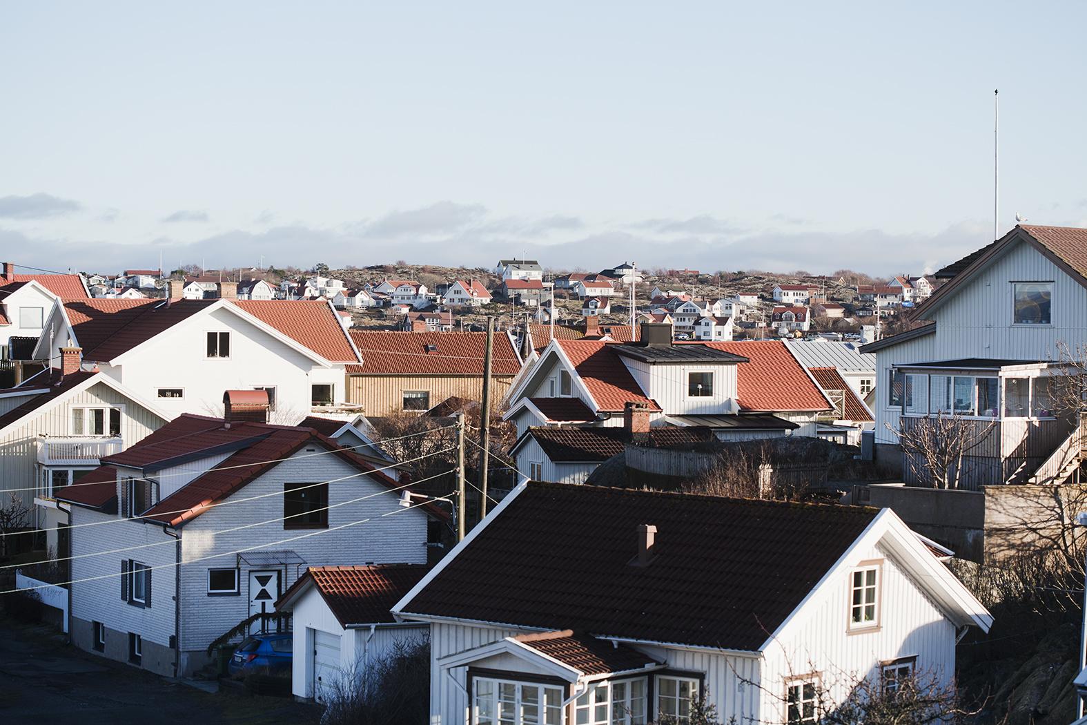 Fotograf: Lina Östling +46 70 405 42 07 mail@linaostling.se www.linaostling.se Stylist: Mari Strenghielm Nord Hemma hos Elsa på Hälsö, utanför Göteborg